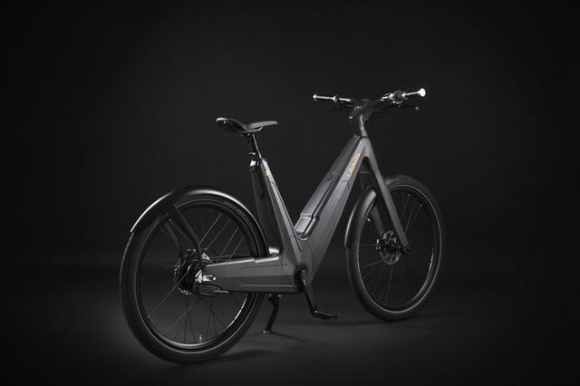 leaos-carbon-fiber-Ebike-05_1
