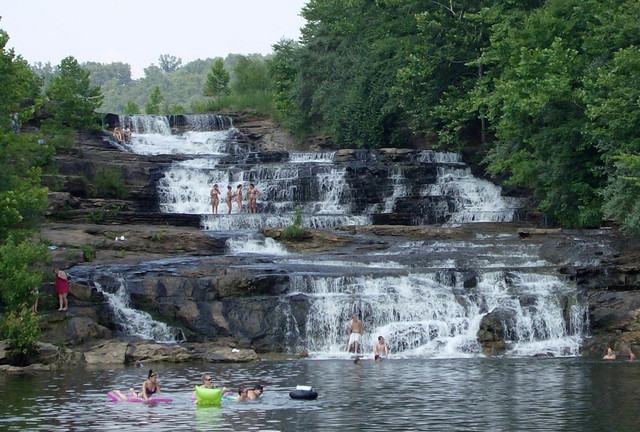 vodopad-Danns-River-YAmayka_1