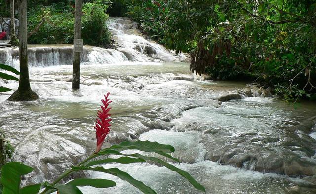 vodopad-Danns-River-na-YAmayke_1