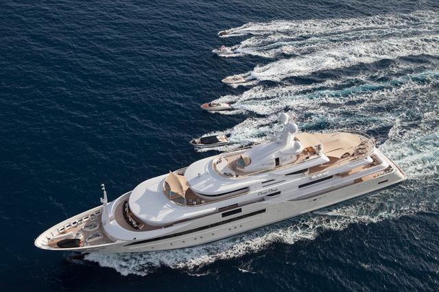 CRN-mega-yachts-chopi-chopi-designboom01_1
