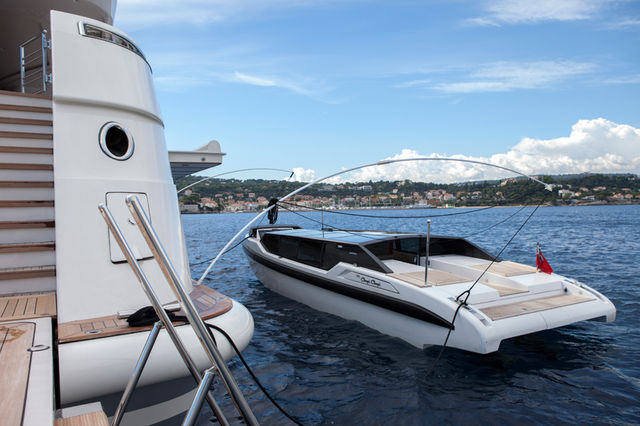 CRN-mega-yachts-chopi-chopi-designboom07_1