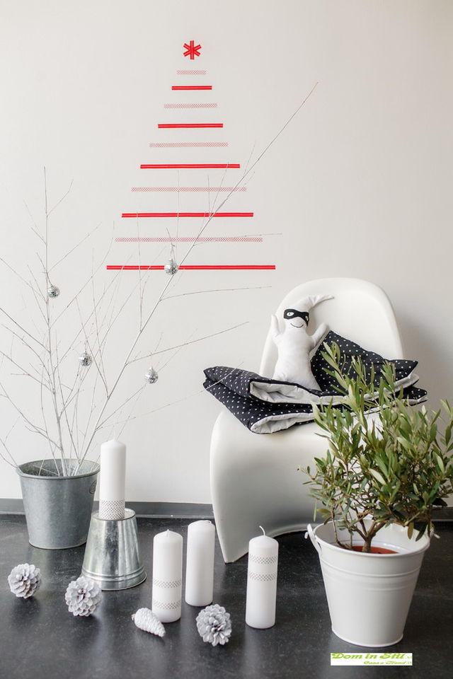 Contemporary-Christmas-tree-made-with-wall-decals_1