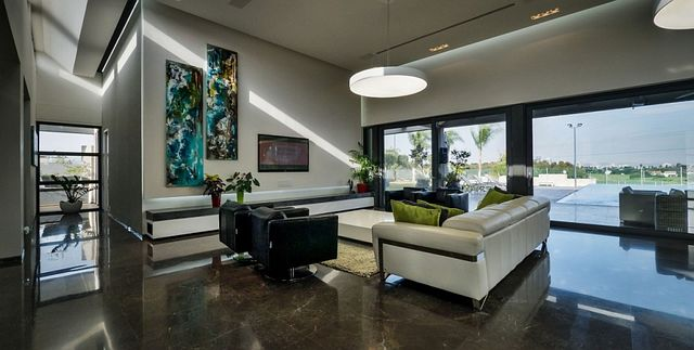 Living-room-connected-with-the-outdoor-deck-through-large-sliding-doors_1