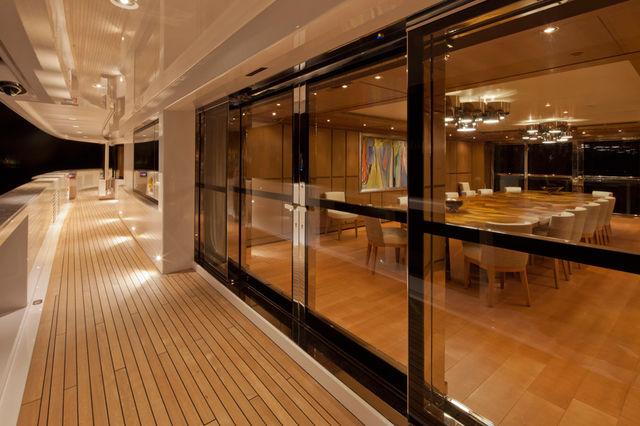 crn-mega-yachts-chopi-chopi-designboomg10_1