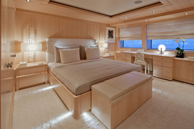 crn-mega-yachts-chopi-chopi-designboomg15_1