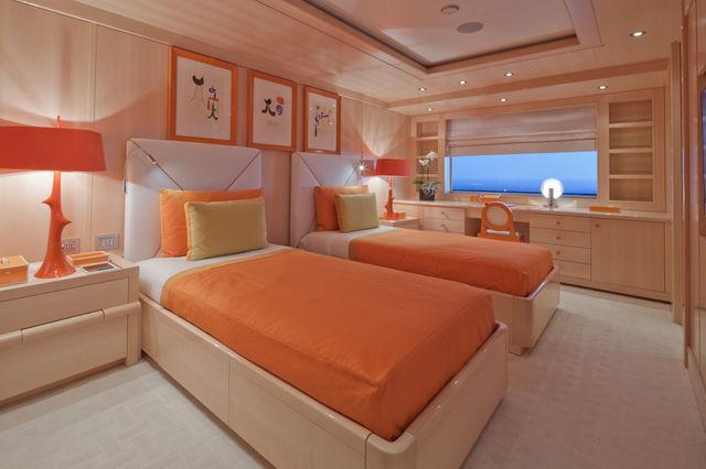 crn-mega-yachts-chopi-chopi-designboomg16_1