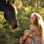 Фото-пост: лошади и прекрасные девушки на природе