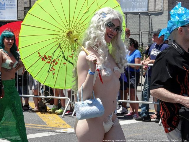 MermaidParade28
