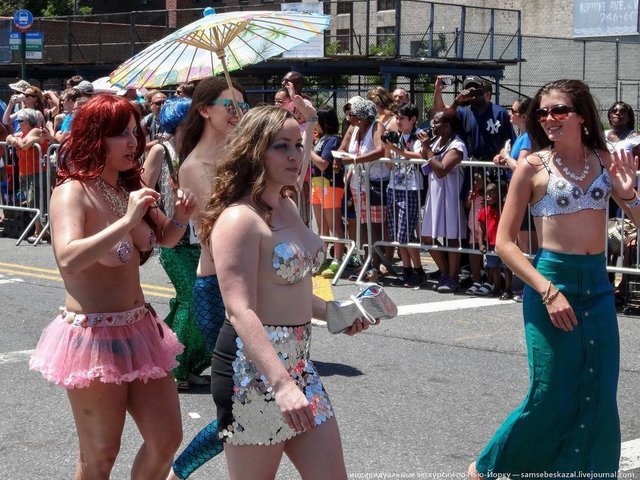 MermaidParade61