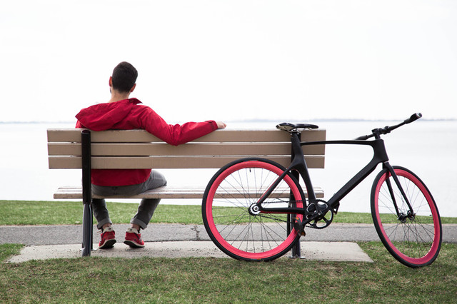 vanhawks-connected-bike-designboom02_1
