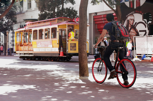 vanhawks-connected-bike-designboom03_1